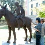 36-mattia-trotta-artista-sculture-filo-metallico-ferro-bronzo-alluminio-rame-fratelli-brothers-villa-fabbricotti-firenze