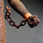 85-mattia-trotta-artista-sculture-filo-metallico-ferro-bronzo-alluminio-rame-chains-ne-libero-ne-schiavo