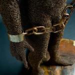 86-mattia-trotta-artista-sculture-filo-metallico-ferro-bronzo-alluminio-rame-chains-ne-libero-ne-schiavo