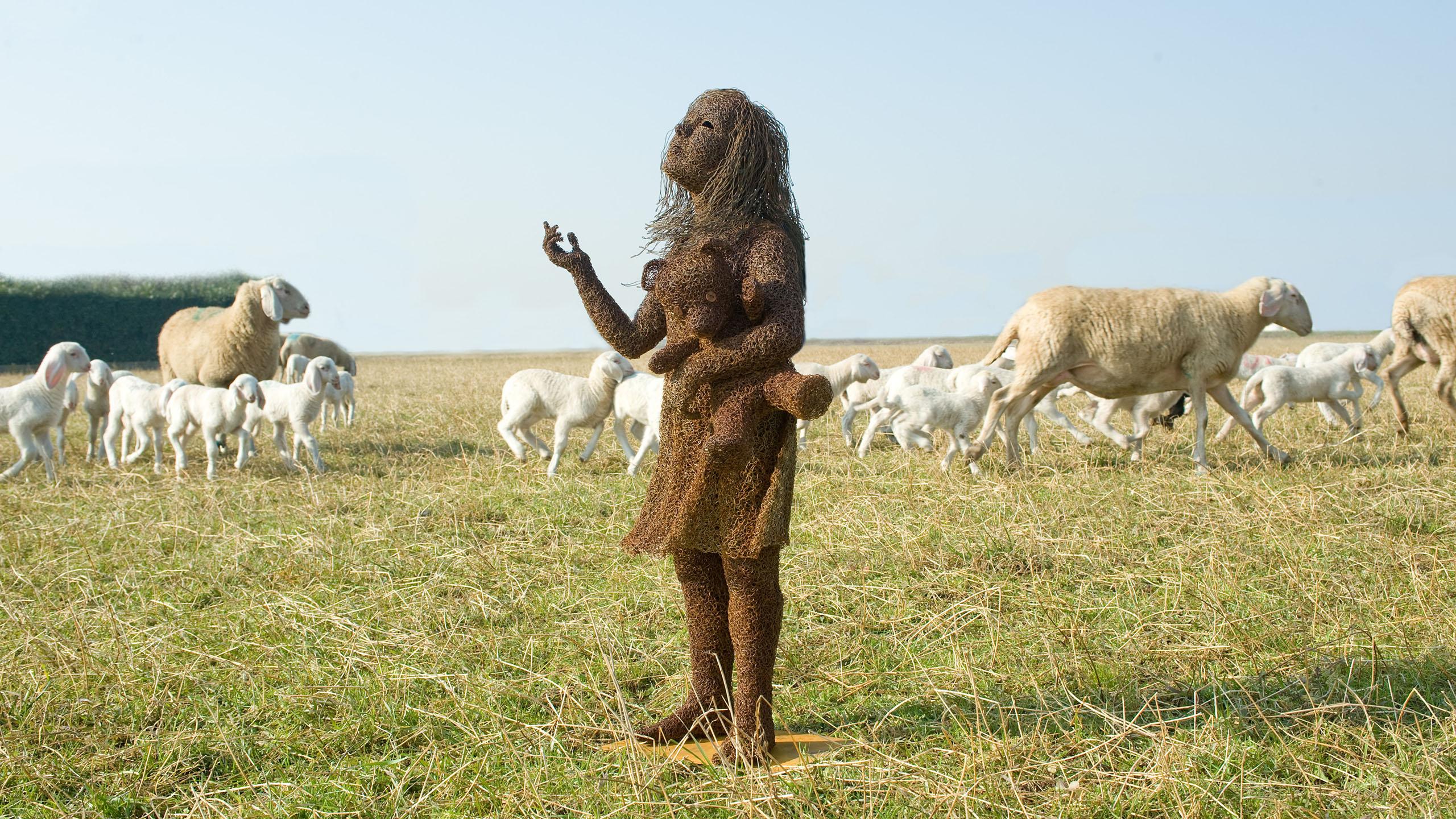 mattia-trotta-artista-scultore-arte-sacra-sculture-su-commissione-in-filo-metallico-ferro-bronzo-acciaio-alluminio-7
