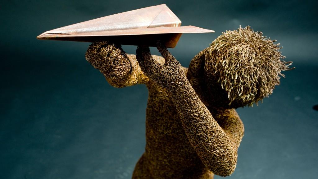 mattia-trotta-artista-scultore-arte-sacra-sculture-su-commissione-in-filo-metallico-ferro-bronzo-acciaio-alluminio-8